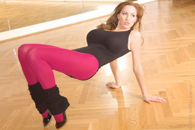 Jordan-Carver-Flash-Dance-Cute-and-sexy-Photoshoot-Image-11
