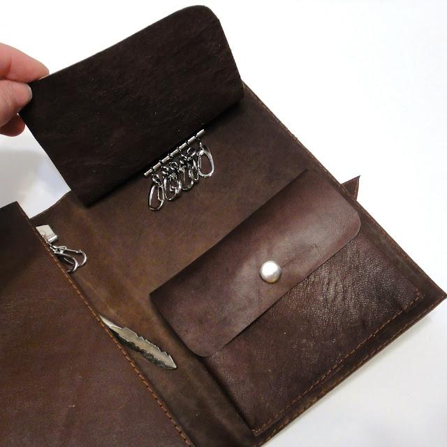 Ключница кожа - практичный подарок мужчине, ручная работа на заказ. Доставка курьером или почтой