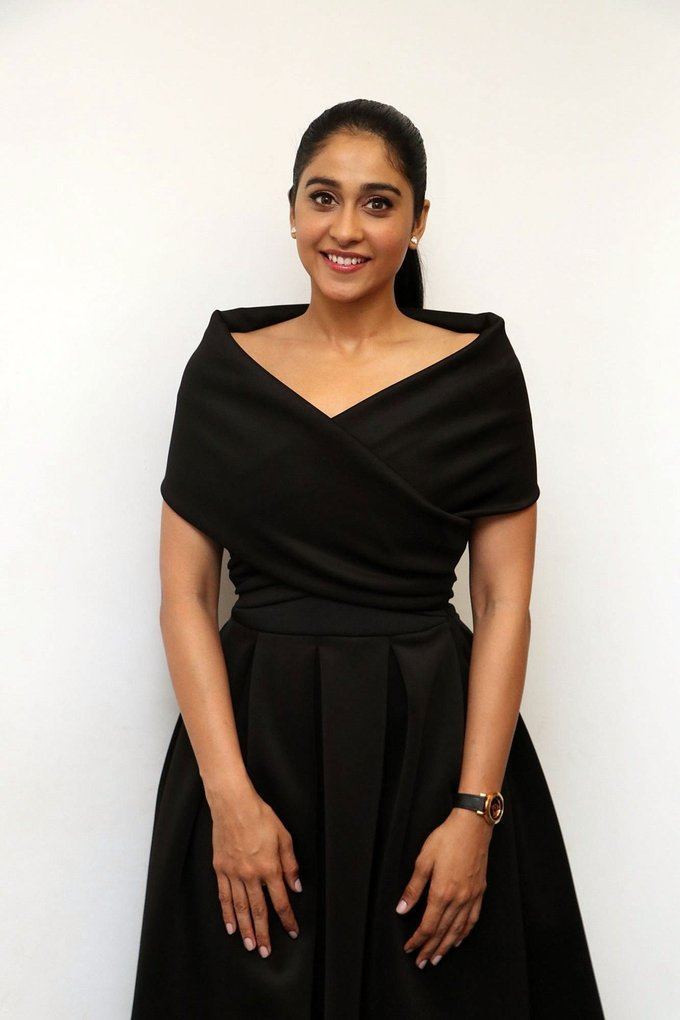 Regina Cassandra Stills at Saravanan Irukka Bayamaen Press Meet