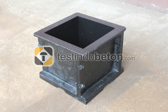 black cube concrete mold
