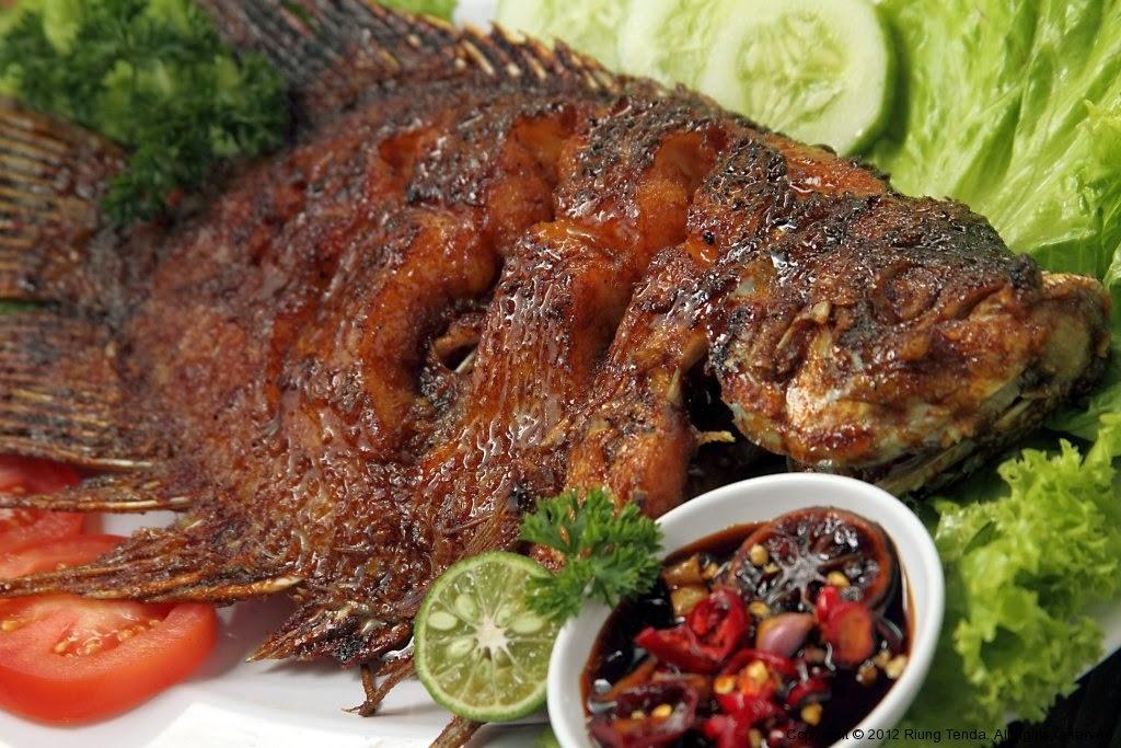 King Voyage Bandung by CV. Inspira Wisata Internasional: Ikan Bakar Pak Chi met