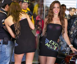 chicas-vestidos-pegaqdos-transparentes