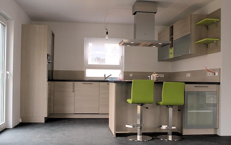 wir bauen ein haus unsere k che ist da. Black Bedroom Furniture Sets. Home Design Ideas