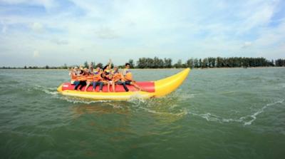Admin Mayuf.com Liburan kepantai Batakan di Tanah laut Kalimantan Selatan