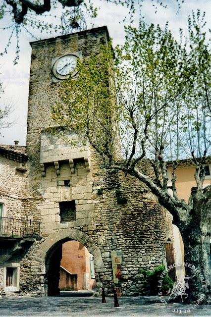 RICHERENCHES (84) - Commanderie templière et hospitalière
