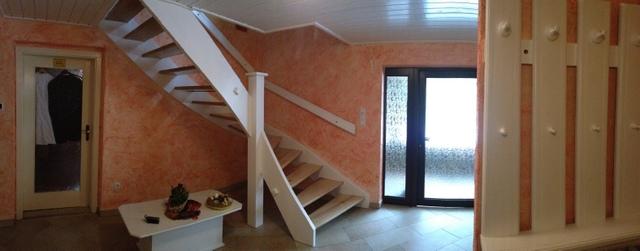 tilo hornoff renovierung treppe decke handl ufe garderobe schleifen und lackieren. Black Bedroom Furniture Sets. Home Design Ideas