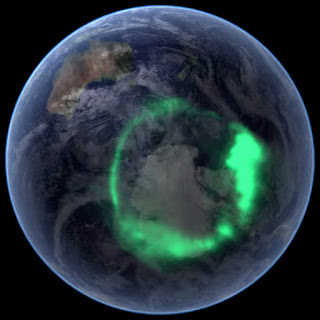 Aurora australis By NASA [Public domain], via Wikimedia Commons