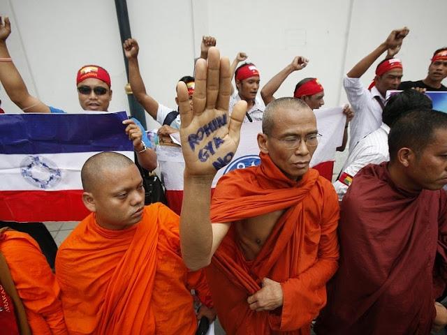 http://2.bp.blogspot.com/-3S9kLgzgo3k/U5wuO5FGbNI/AAAAAAAADRs/6LgOR_OnPx8/s1600/komunitas+biksu+myanmar+dan+masyarakat+Myanmar+yang+tinggal+di+Thailand+demonstrasi+di+kedutaan+Myanmar+di+Bangkok+24+July,+2012.jpg