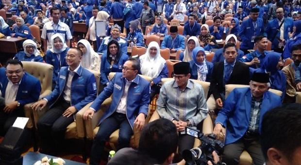 Teriakan Ganti Presiden Sambut Sandi di Pembekalan Caleg PAN