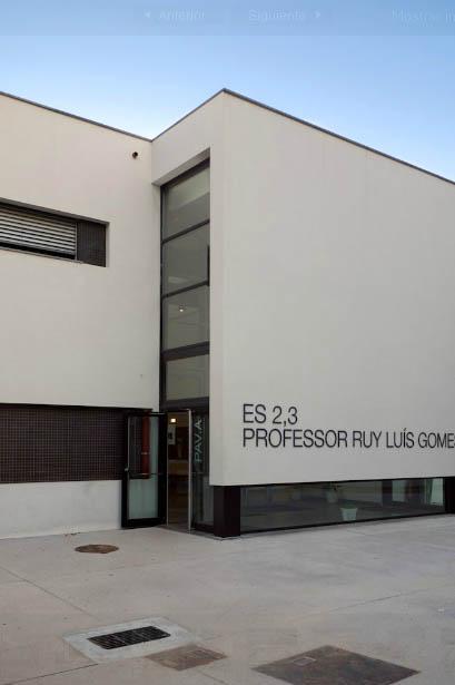 Escuela de secundaria professor ruy lu s gomes de om2a for Arquitectura y diseno de casas