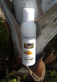 Herboveda Deep Pore Sandal Cleansing Milk Review