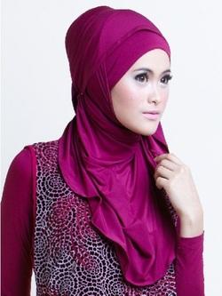 Cara Perawatan Rambut untuk Wanita Berjilbab dari Rudy Hadisuwarno 85a3113764
