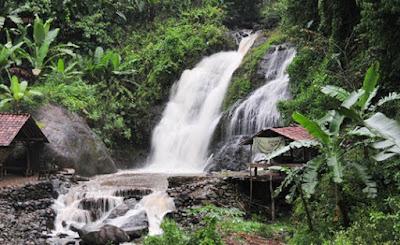 Objek Wisata Alam Curug Cipanundaan di Karawang