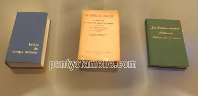 French Religious Books, as The book of Common Prayer, Sr. Josefa Menéndez The Way of Divine Love,New World Translation of the Christian Greek Scriptures in french language