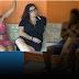 VÍDEO: Ladrão é dominado por mãe e filha durante roubo a casa.