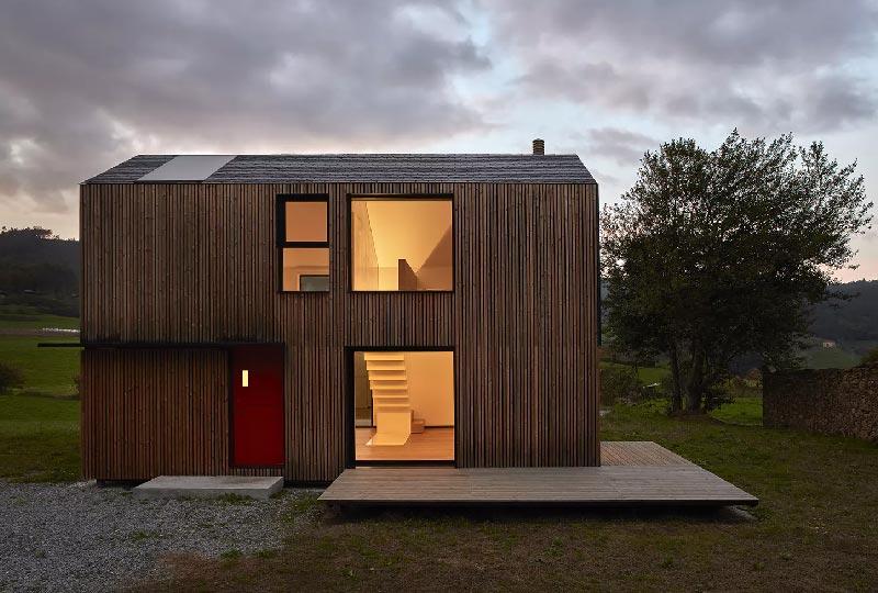 casa prefabbricata in legno su due piani