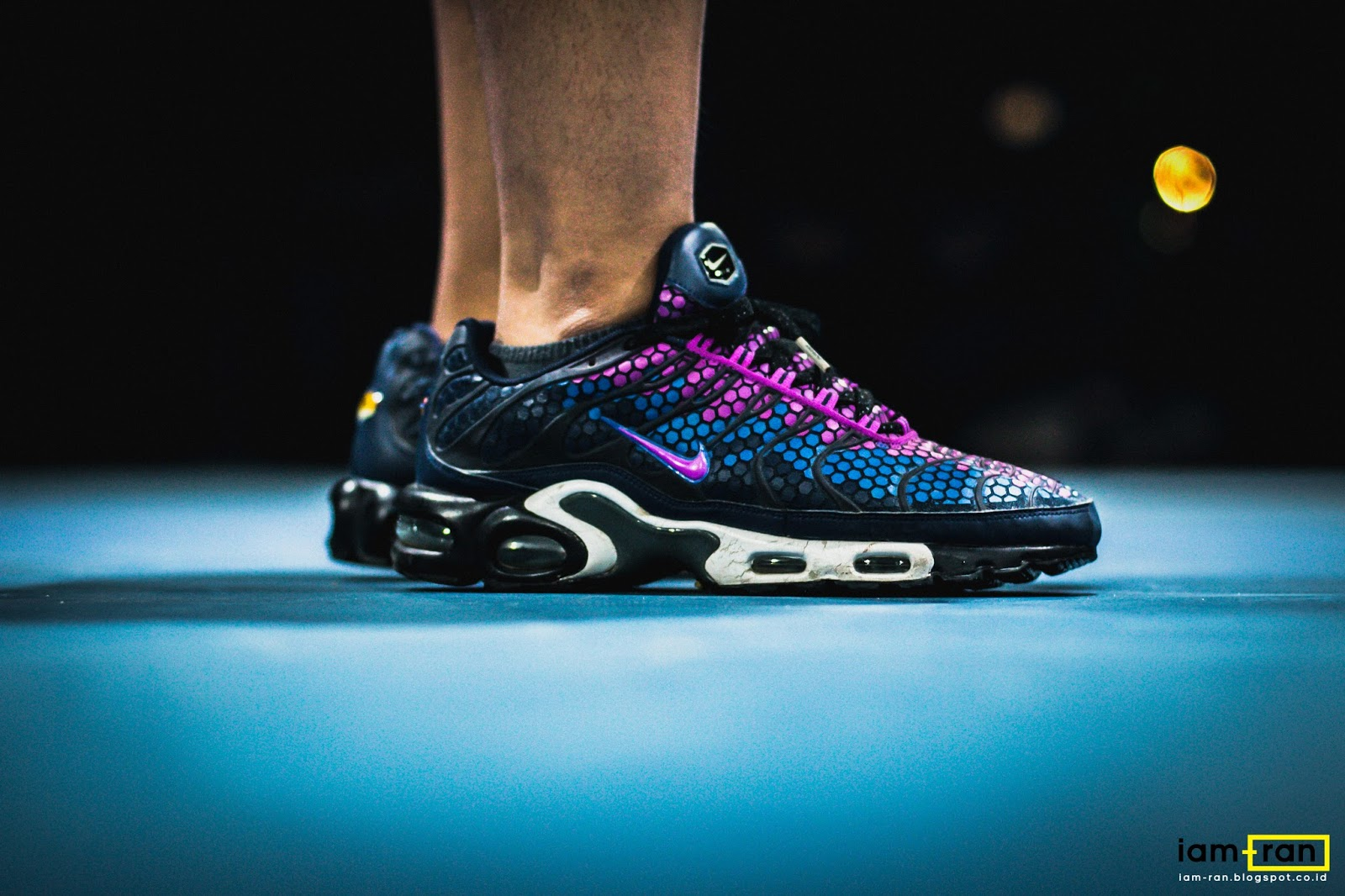 7daa76f3f IAM-RAN  ON FEET   Polo - Nike air max tn plus (sample)