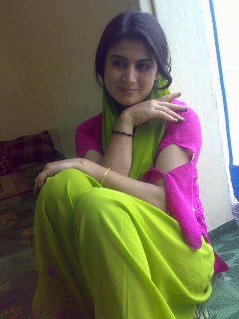 Real Beautiful Indian Girl Pics, Real Deshi Girls Photos, Cute Indian College Girl Photo, Real -2832