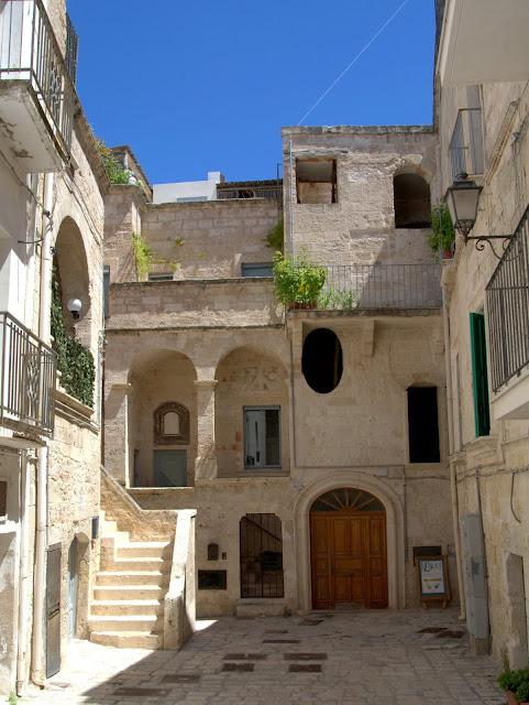 centrum miasta  Polignano a Mare jak dojechać z Bari