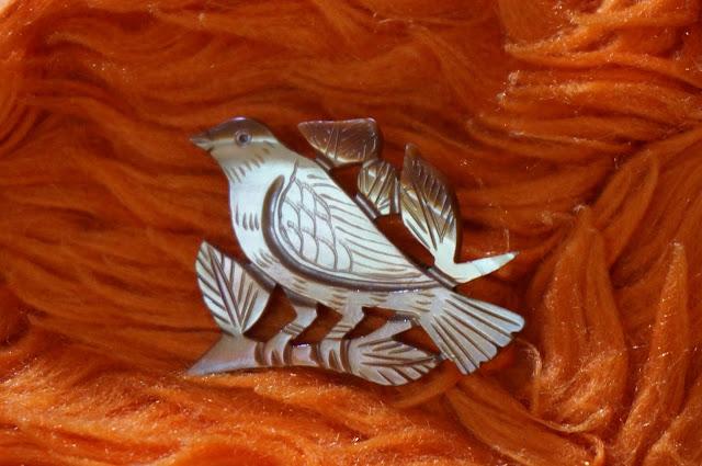 une broche oiseau  vintage bird brooch