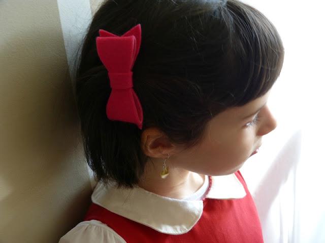 barrette noeud en tissu rouge
