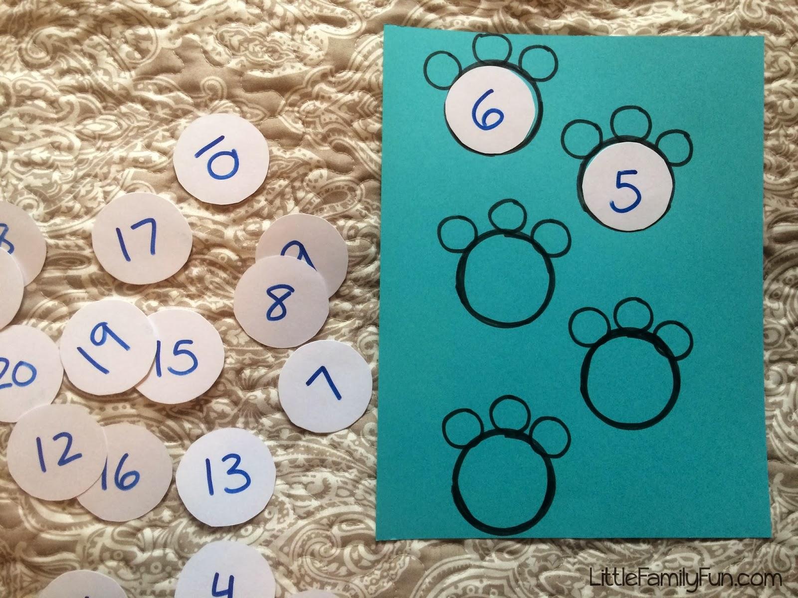 Little Family Fun Polar Bear Paw Counting