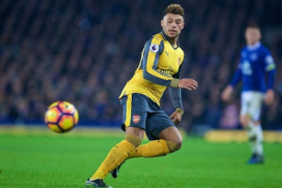 Chelsea 'agree £35m Alex Oxlade-Chamberlain deal'