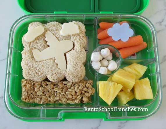 Aeroplane in cloud lunch in a Yumbox
