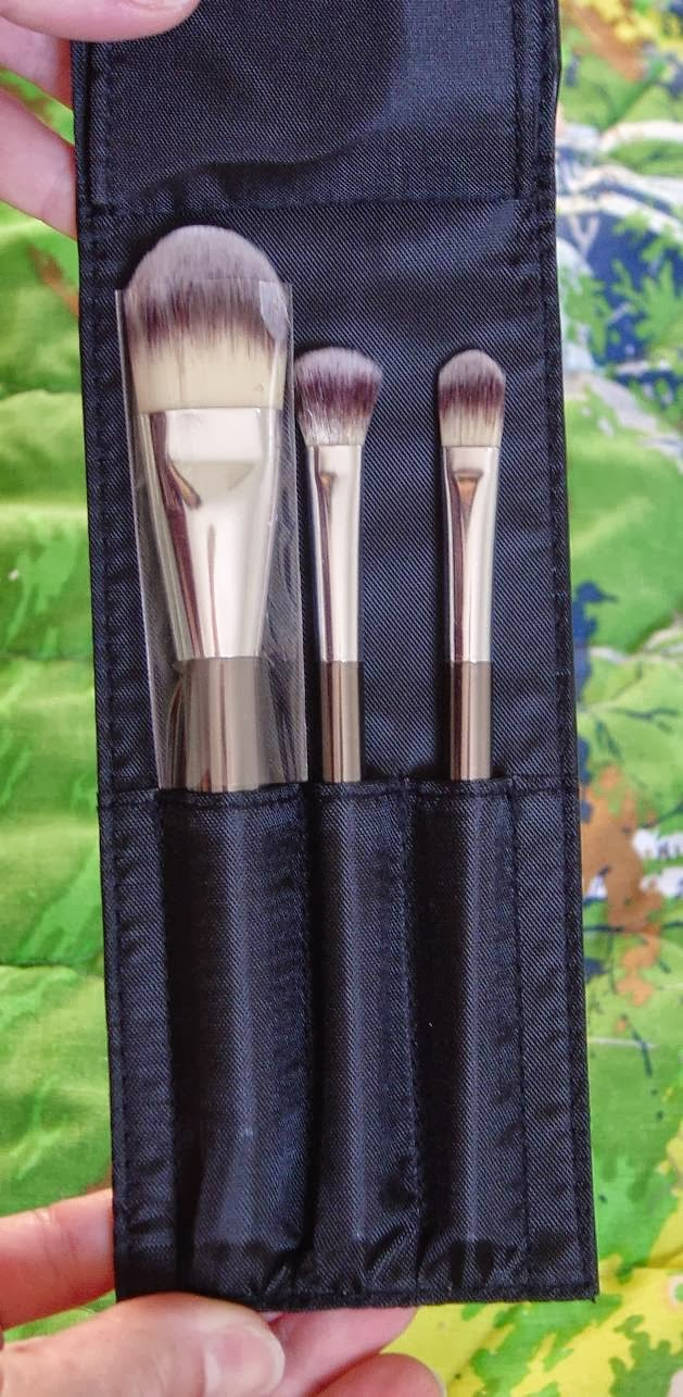 IT Cosmetics Heavenly Luxe 6-Piece Brush Collection With Travel Case (other 3 brushes).jpeg