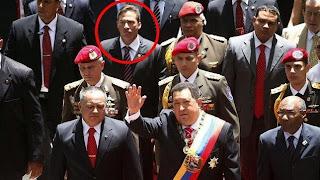 Salazar, na terceira fila (após Diosdado Cabello e Hugo Chavez), no dia da Independência da Venezuela de 2012