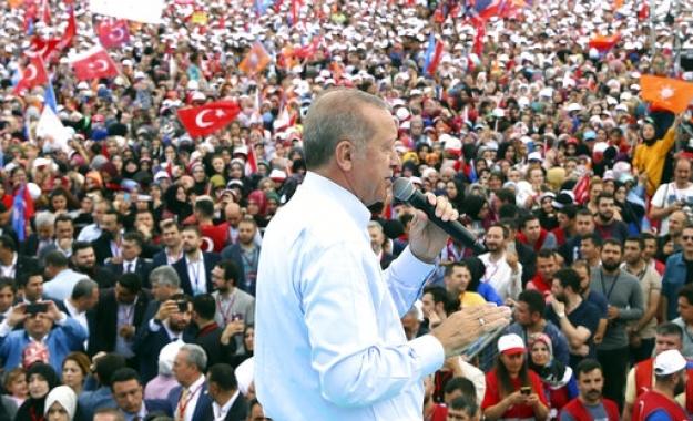 Guardian: Όλα όσα πρέπει να γνωρίζετε για τις τουρκικές εκλογές