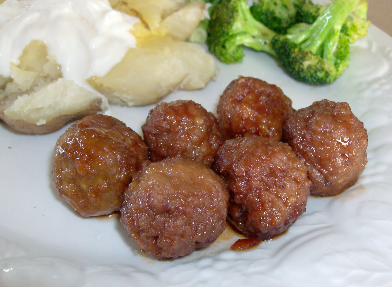 slow cooker party meatballs 365 days of slow cooking and pressure cooking. Black Bedroom Furniture Sets. Home Design Ideas