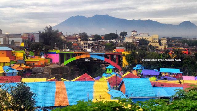 Foto Kampung Jodipan dan Kampung Kesatrian di Kota Malang.