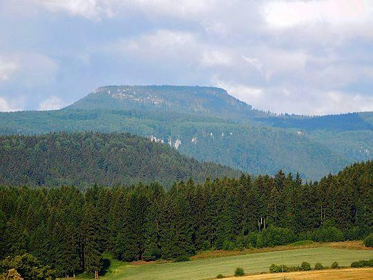 Szczeliniec Wielki (919 m n.p.m.).