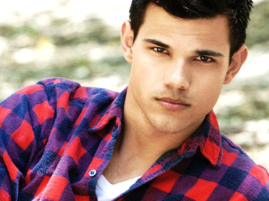 Global Pictures Gallery: Taylor Lautner Or Jacob Twilight