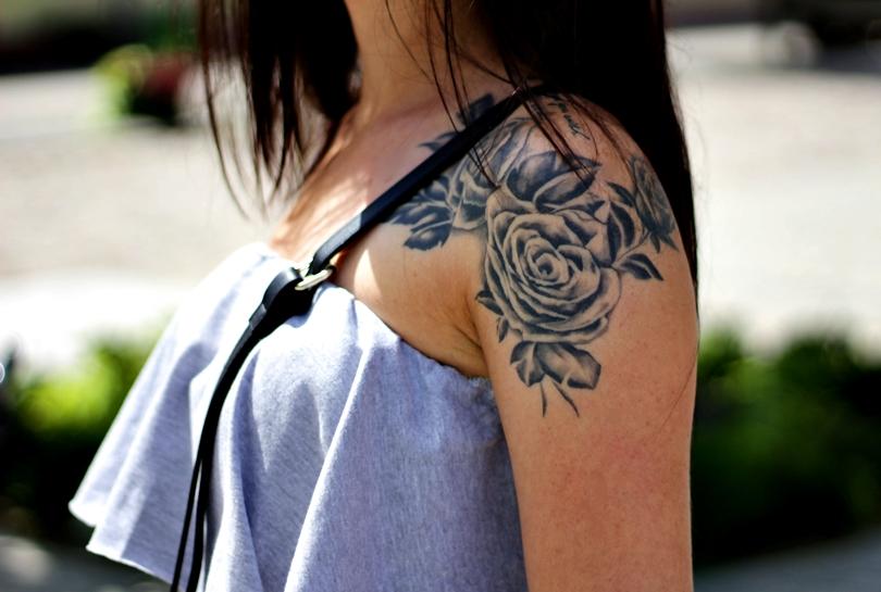 kombinezon z falbanką, hiszpanka, falbanka, aquazurra, pompony, sweet shop, dresowy, szpilki, sandały, soufeel, charms, pandora, tatuaż, róża, roses, tattoo,