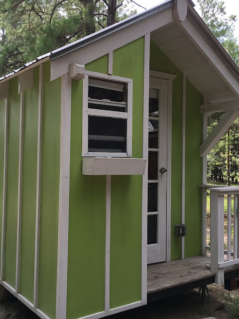 G 1 House Design: TINY HOUSE TOWN: A 72 Sq Ft Lime Green Tiny House