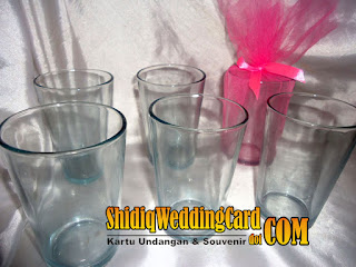 http://www.shidiqweddingcard.com/2016/02/souvenir-gelas-ukuran-sedang.html