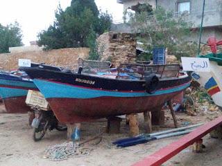 غار الملح بنزرت : عدد من البحارة يعرضون مراكب صيدهم للبيع احتجاجا على تدني إنتاج الصيد البحري بسبب التلوث