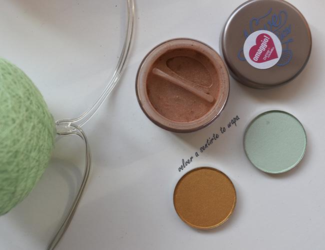 Sombras de ojos de Coastal Scents: Sea Foam y Mimosa - Pigmento de Neve Cosmetics: SeaHorse