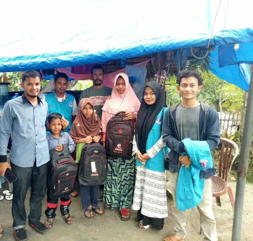 LPD Kunjungi Keluarga Musibah Rumah terbakar dan menyerahkan Santunan serta Perlengkapan sekolah