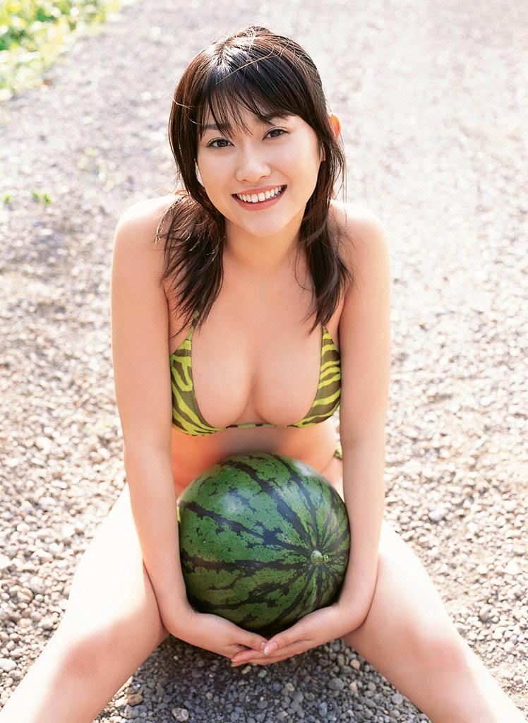 mikie hara sexy bikini pics 03