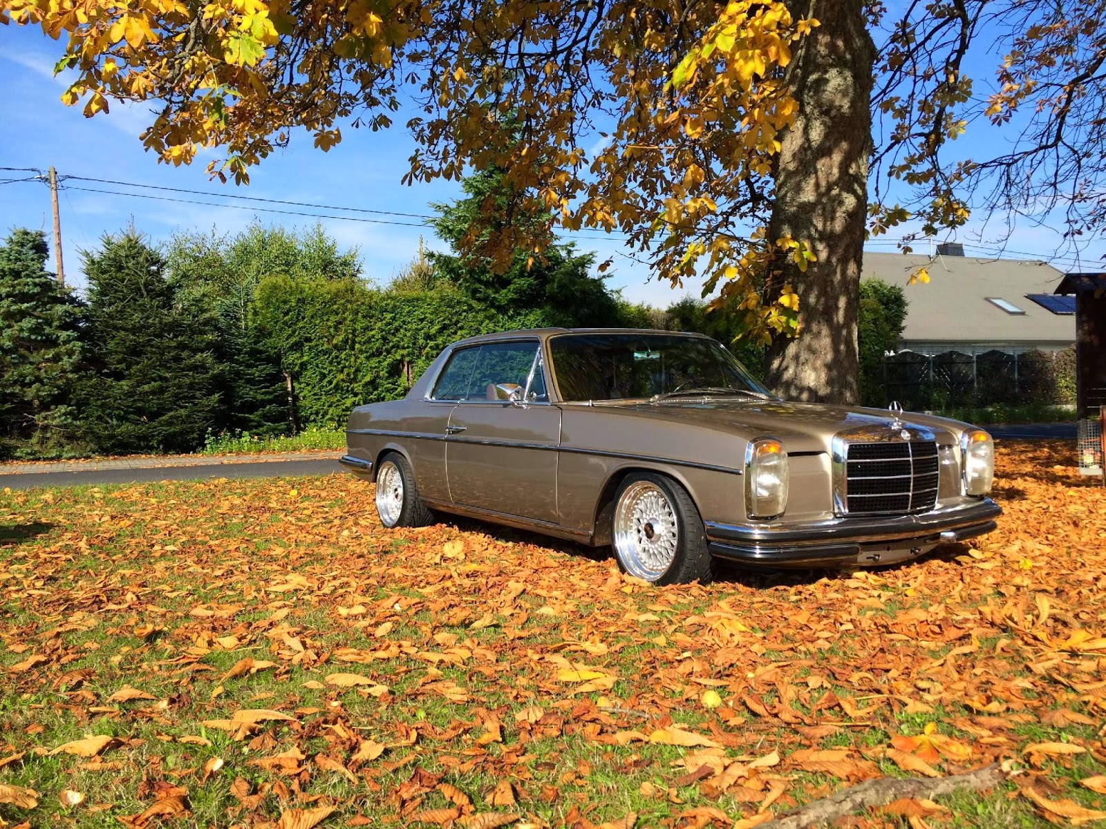 mercedes benz w114 coupe tuning benztuning. Black Bedroom Furniture Sets. Home Design Ideas