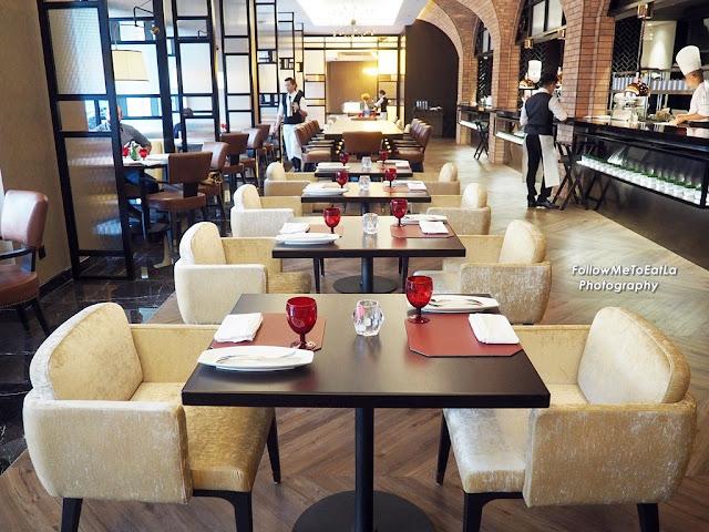 Hotel Stripes Kuala Lumpur  Brasserie 25