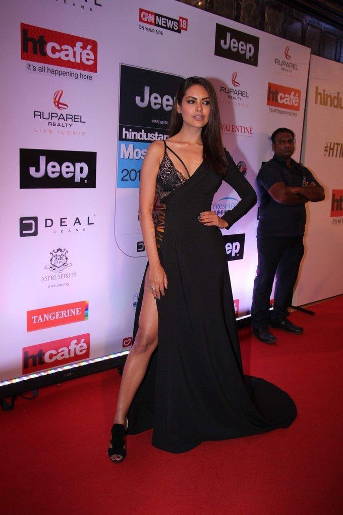 Esha Gupta In Black Dress At Ht Most Stylish Awards 2017