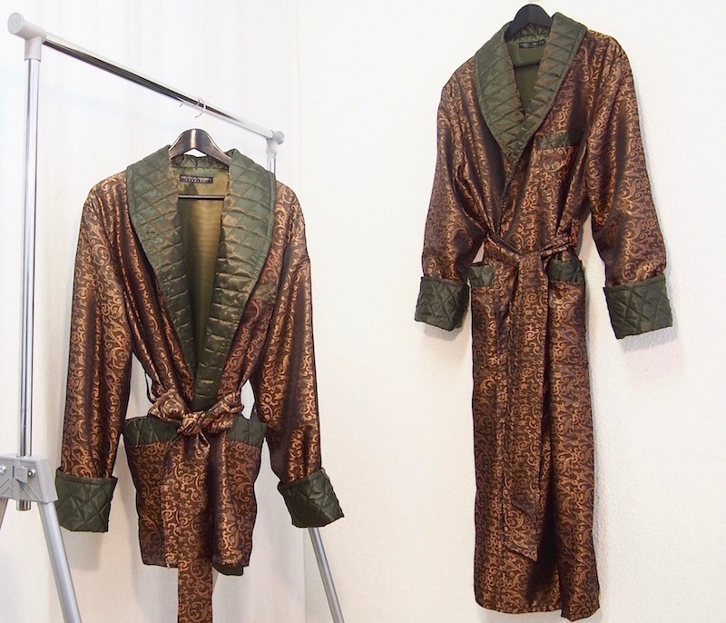 Men S Dressing Gowns: Men's Paisley Silk Dressing Gowns And Quilted Velvet Robes