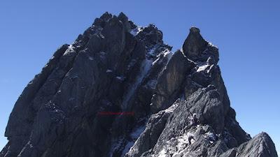 Puncak Jaya  Carstensz Pyramid tertinggi indonesia