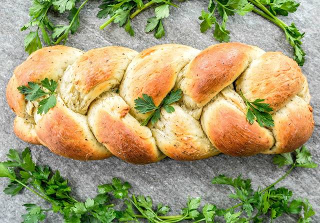 Garlic & Herb Braid Bread