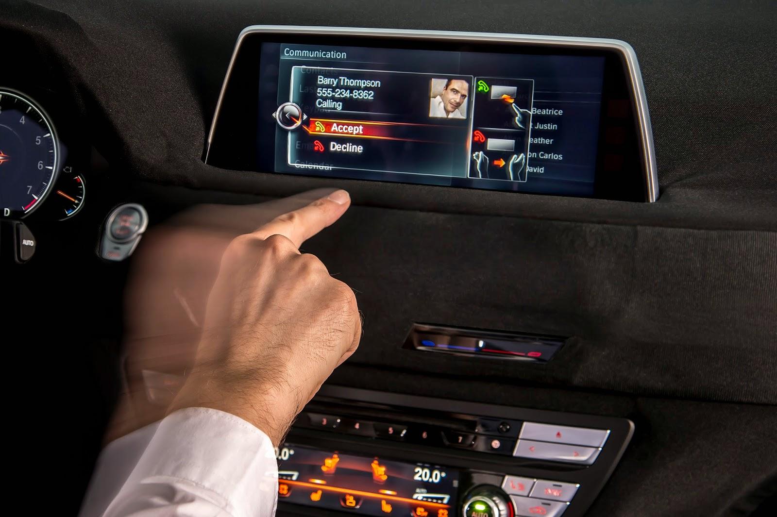 voiture communicante ecran tactile et reconnaissance de gestes bord de la future bmw s rie 7. Black Bedroom Furniture Sets. Home Design Ideas