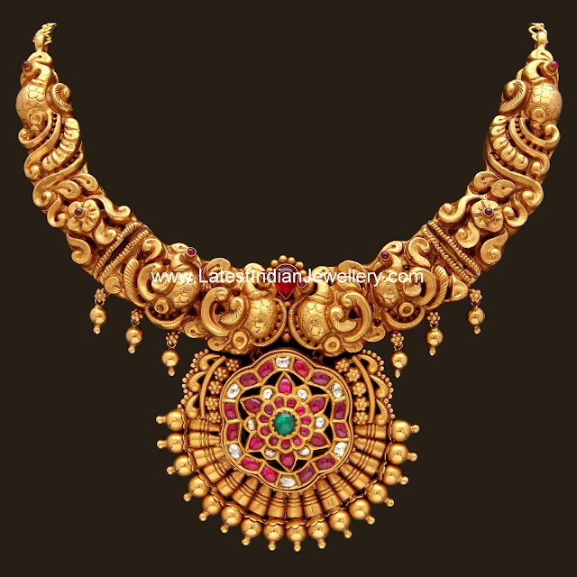 Grand Nagas Work Gold Necklace